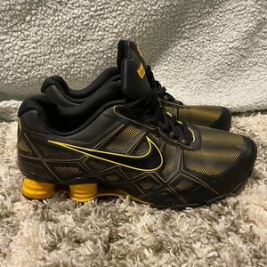 Men's Live Strong Black and Yellow Nike Shocks